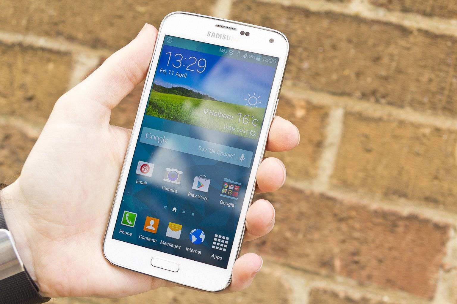 Best phone blocker - Samsung's Android rival wants some respect, finally